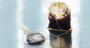 9 niesamowitych zastosowań torebki z czarną herbatą