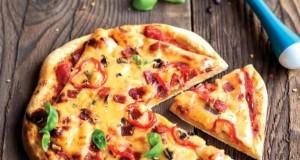 PIZZA Z SALAMI I CHILI